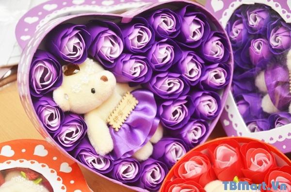 Hoa Hồng Sáp Thơm hộp hình trái tim có gấu - mẫu mới, rất đẹp và thơm lâu.