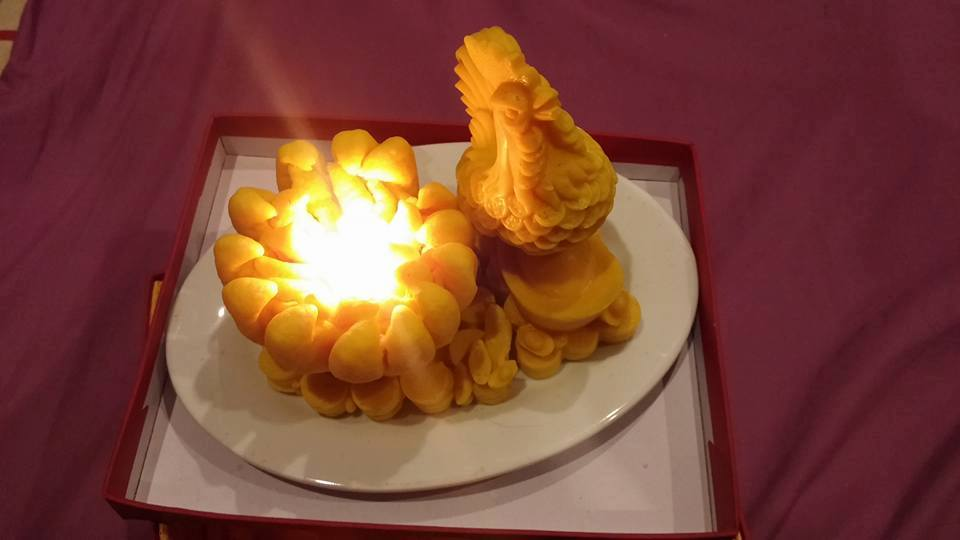 Nến Phật Thủ Gà Trống Vàng - Linh Vật ban tài phát lộc cho cả năm sung túc.