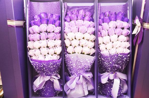 Mẫu hoa hồng sáp thơm hộp 33 bông.