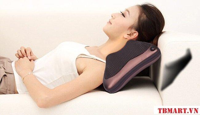 Gối massage hồng ngoại Akita - Xua tan cơn đau mỏi vai gáy nhanh chóng.
