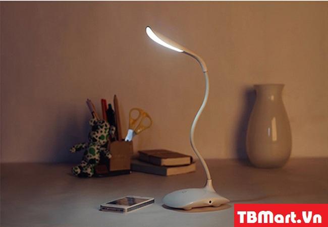 Đèn Bàn Cảm Ứng Chống Cận Fashion Wind Desk Light